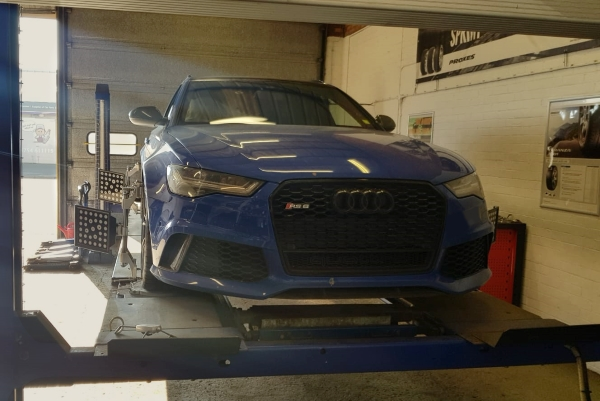 Bush Tyres wheel alignment on Audi RS6 Quattro