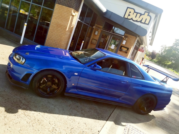 Bayside Blue Nissan Skyline GTR R34 in for Michelin Pilot Sport 4S tyres