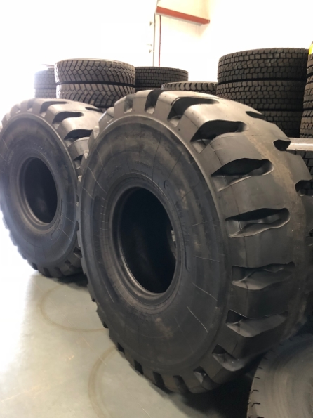 Camso WHL775R Earth Mover Tyre supplied by Bush Tyres Grimsby Commercial division